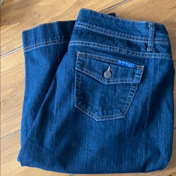 Bandolino blu shorts